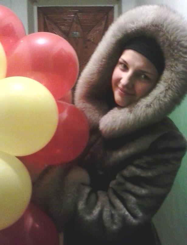 Настя с шариками